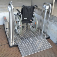 Podnośnik dla wózków inwalidzkich H-ES 750